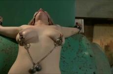 Fájdalmas rabszolgaszex és kötözős videó