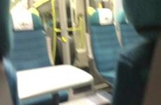 A vonaton szopta le a farkát a srácnak
