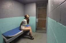Szexi Csaj Börtönbe Zárva És Megkötözve