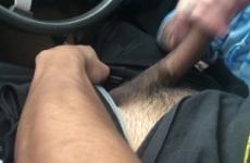 Vörös Hajú Piercinges Tetovált Csaj Az Autóban Szopik