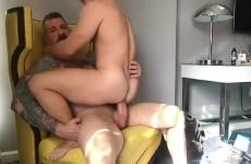 Apjával szexelt a német srác