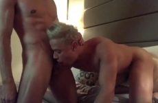 Meleg srácok szexelnek egymással