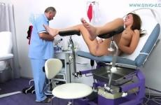 Nőgyógyász perverzkedett a páciensével