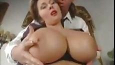 Hatalmas mellű amatőr anyuka megkívánta az anya fia szexet szex videó