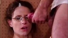 Anyuka az arcára kapta a gecit a fiától szex videó