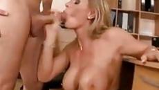 Anya szexel a fiával - anya fia szex videó szex videó
