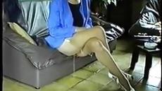 Kanapén ülve pisilt be a perverz anyuka